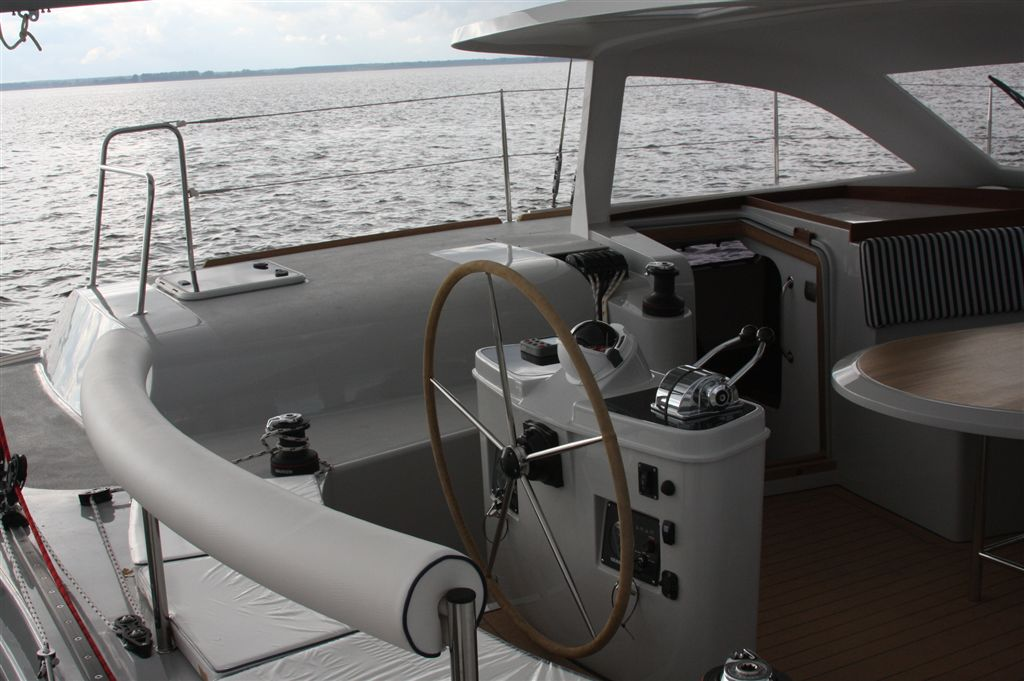 Short roof - helm position